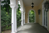 Veranda with bowed and straight ballustrads